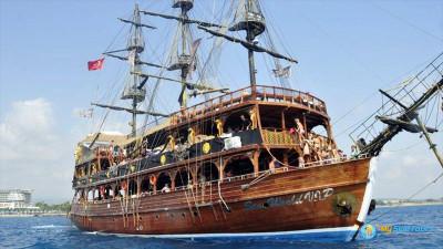 Обзорная экскурсия и тур на яхте